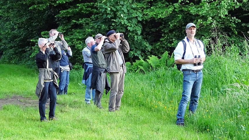 Guido Seemann bei einer vogelkundlichen Wanderung